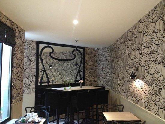 Grand Hotel des Balcons: Breakfast room