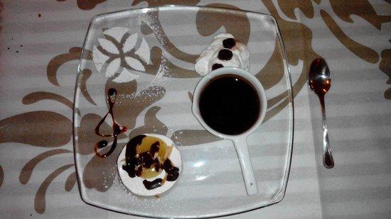 Ristorante Volare: Tortino di gelato ricotta e pere.. ^_^