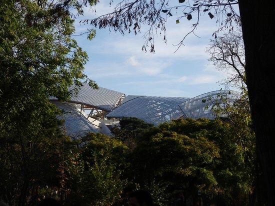 Fondation louis vuitton vue du jardin picture of jardin for Jardin d acclimatation