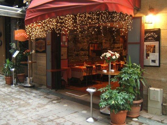 Galata Restaurant & Bar: Galata Kapı