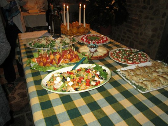 Montespertoli, Italia: Welcoming buffet