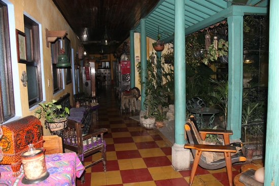Posada Belen Museo Inn : Courtyard