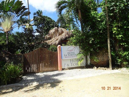 Hotel La Tortuga : Entrada do Hotel