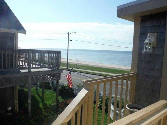 The Seaside Inn : Cape Cod Beach
