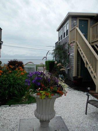The Seaside Inn : Inn Grounds