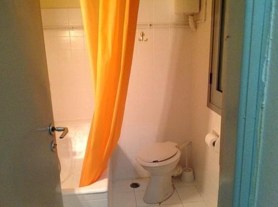 Delfini Hotel: bathroom