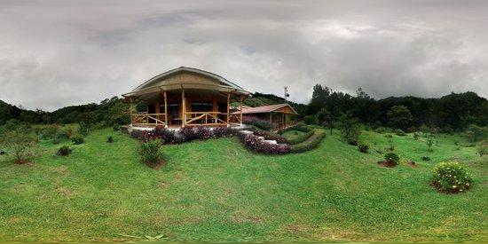 Hotel de Montaña y Restaurante Suria: Vista Panoramica (foto tomada por Jose)