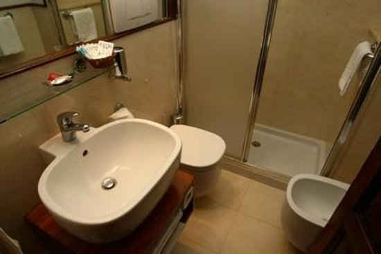 Al Colonnato di San Pietro Bed and Breakfast: Bathroom
