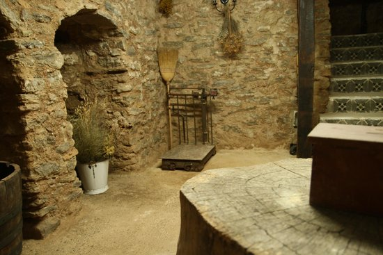 Casa Rural La Bardena Blanca II: Bodega Sótano