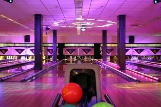The Connection Bowling, Billiards & Games
