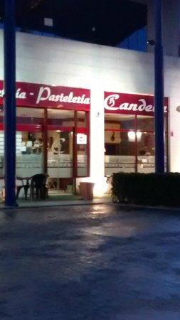 Pasteleria-Cafeteria Candela