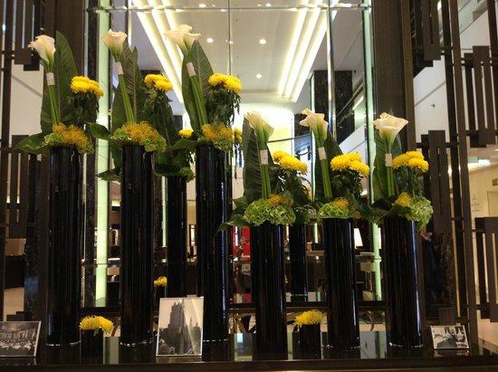 Waldorf Astoria Berlin: Hall Waldorf  Astoria touch...