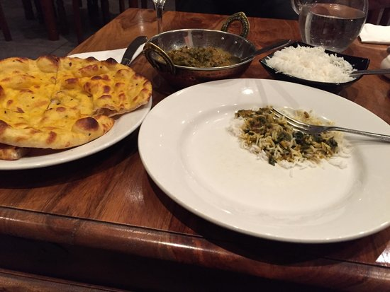 rivage: Beautiful Meal and best Naan Bread! I'm