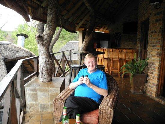 Crocodile Kruger Safari Lodge: Relaxing on the viewing veranda