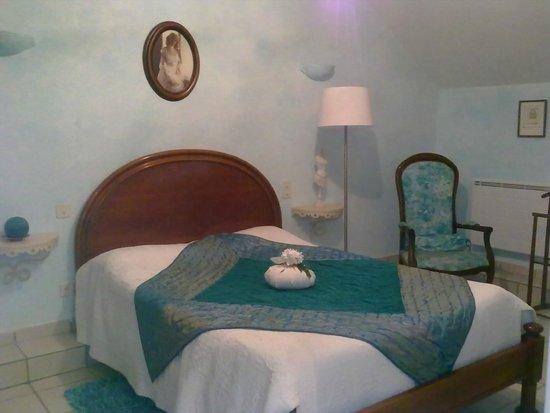 Maison Trille: Petit coin salon dans le 2ème chambre