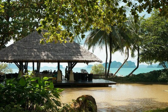 Phulay Bay, A Ritz-Carlton Reserve: The sunset bar
