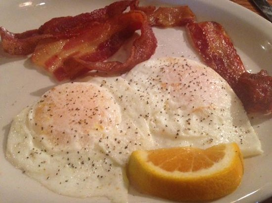 Cracker Barrel: 2 eggs over easy w bacon