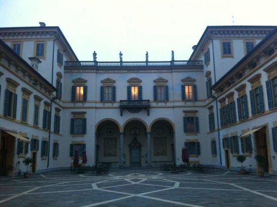 Hotel Villa San Carlo Borromeo: Hotel outdoors