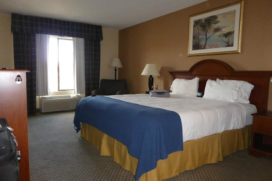 Rodeway Inn & Suites: Fantastic king bed