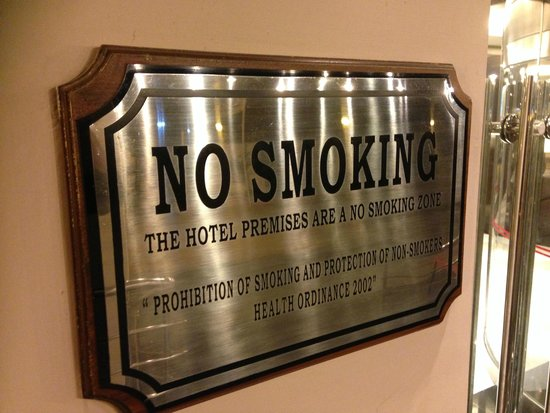 Ramada Plaza Karachi Airport Hotel: Wish this were true - heavy smoking in the Lobby