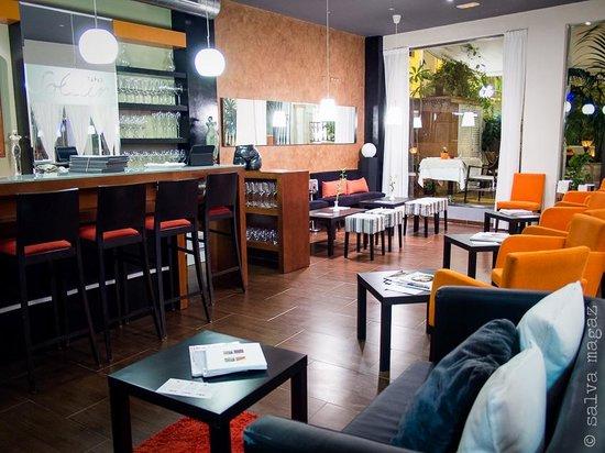 Sollun Restaurante - Pintada 23: sollun bar and tapas