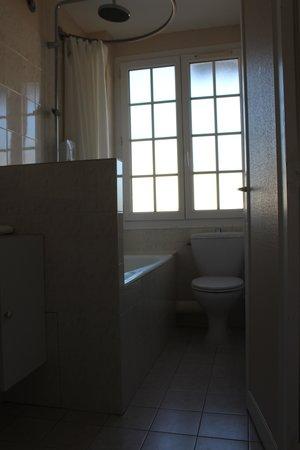 Hotel De La Mer: La salle de bains