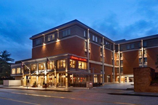 Hampton Inn and Suites Clayton / St Louis - Galleria Area: Exterior Dusk