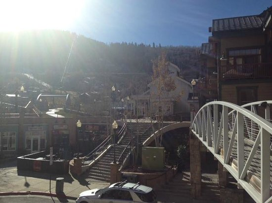 The Bridge Cafe and Grill: View from the patio on this sunny day