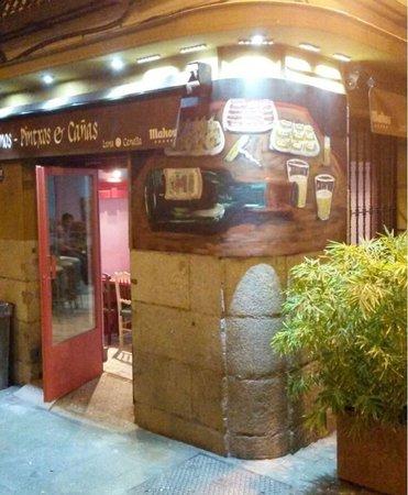 Luna Canalla Vinos - Pintxos & Canas