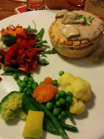 De Bok: Chicken and mushroom pie