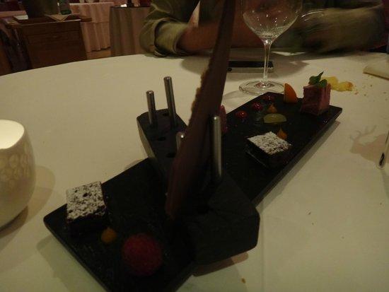MAYER's Restaurant auf Schloss Prielau: Postre - Variado de chocolates