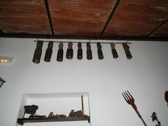 El Tabanco Hotel: Muestrario de cencerros