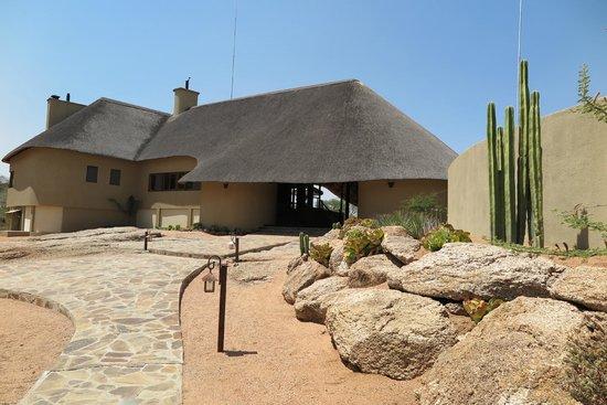 Ozongwindi Lodge : Lodge