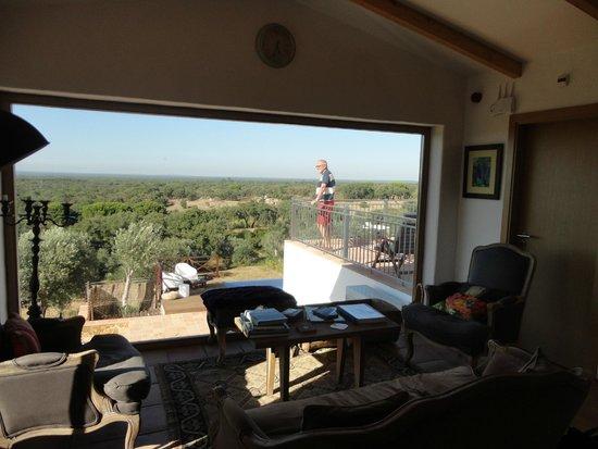 Serenada Enoturismo : Lounge met uitzicht (geldt ook voor de grootste kamer)