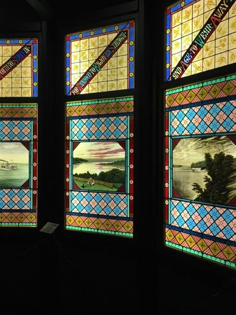 Geneva Lake Museum of History: Stained glass windows.