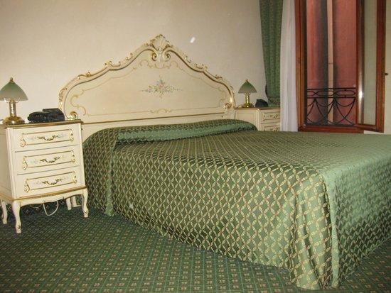 Hotel Commercio & Pellegrino : La nostra stanza