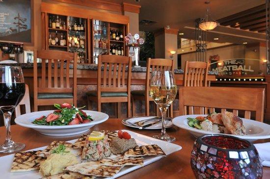 Banff Ptarmigan Inn: The Meatball Pizza & Pasta Lounge
