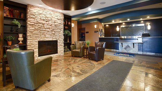 Best Western Wainwright Inn & Suites: Lobby