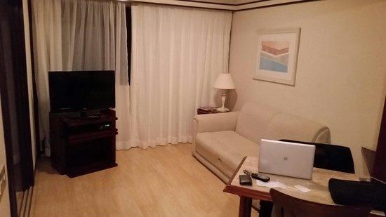 Le Premier Suites: Ante-sala