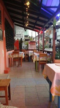 Erva's: Outside dining