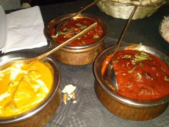 Shiva's : varie carni con varie salsine piccanti e no buone