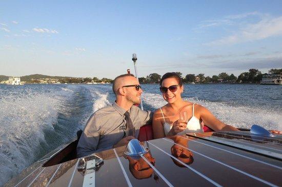 Noosa Dreamboats Classic Boat Cruises : Engagement celebration on the Dreamboat!