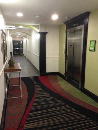 La Quinta Inn & Suites Conway: Elevator