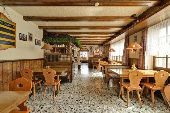 Restaurant du Chasseur: Le Café