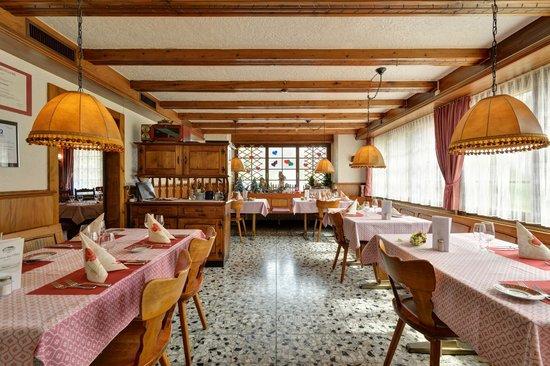 Restaurant du Chasseur: Le Carnotzet (restaurant)