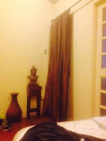 Siam Tulip Guesthouse & Shared bathroom and door slamming - Review of Siam Tulip Guesthouse ...