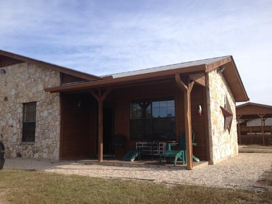 """Rancho Cortez : """"kickapoo"""" cabin"""