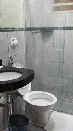 Nobile Plaza Hotel: Banheiro