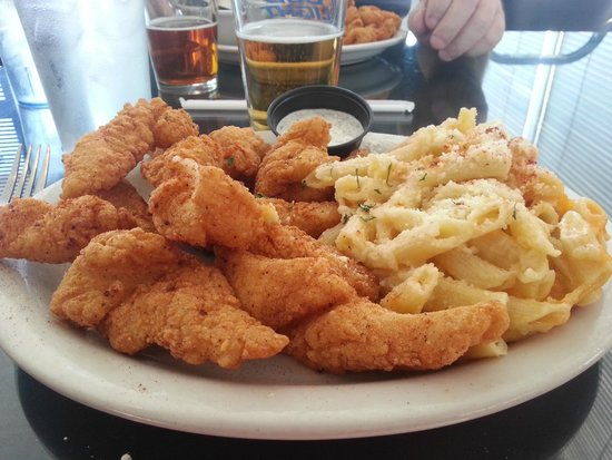Cafe Rue Orleans: Catfish and Mac & Cheese