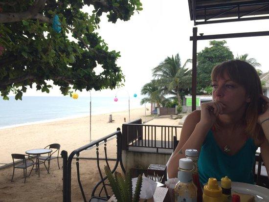 Lamai Wanta : Breakfast area and beach